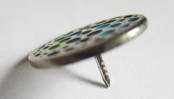 סיכות דש מתכת - מילוי צבע ידני